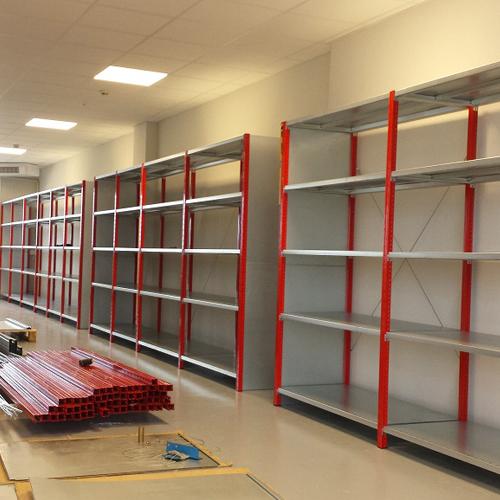 Systèmes de stockage pour magasin et entreprises